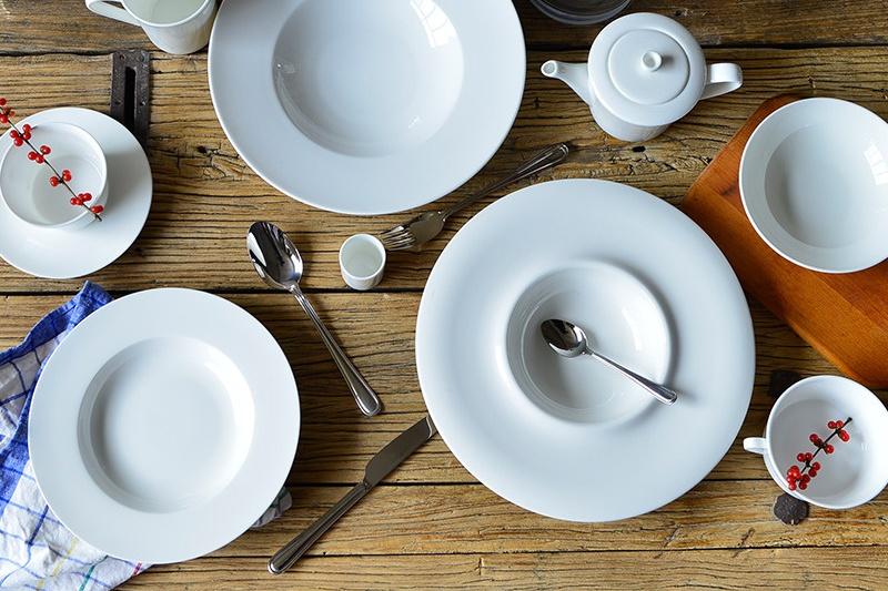 好的骨质瓷餐具大约多少钱一套